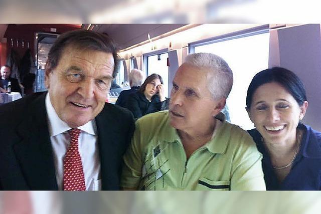 Mit Schröder im ICE nach Berlin