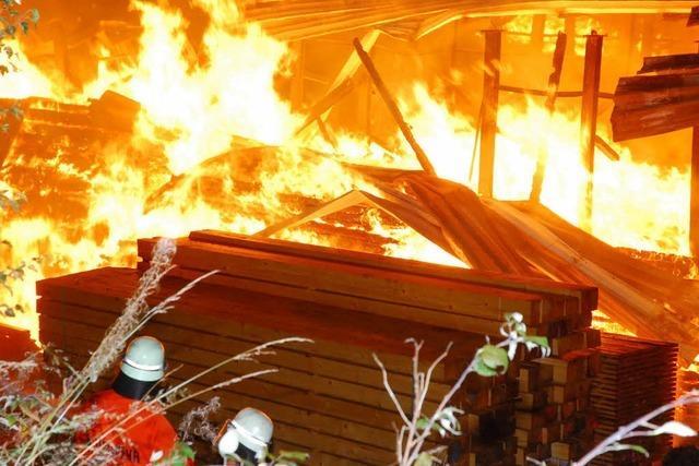 Millionenschäden bei Brand in Sägewerk St. Georgen