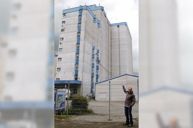 Gegner kritisieren den Kraftwerkbau