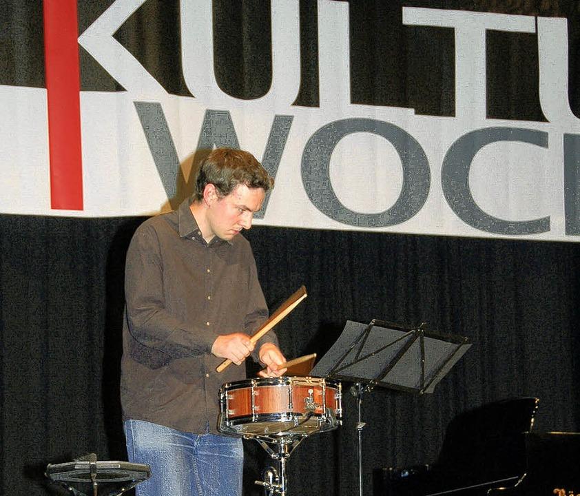 Einen Streichquartettsatz von Mendelss...hlagzeuger Sebastian Anders (rechts).   | Foto: Kiefer
