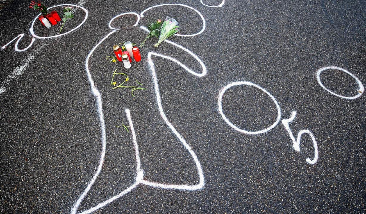 Kreidespuren markierten am 15. März 20...h Amokläufer Tim K. erschossen hatte.   | Foto: dpa