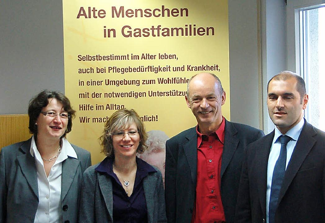 Landratsamt und Herbstzeit gGmbH (mit ...ber und Sozialamtsleiter Markus Skiba.  | Foto: Marius Alexander
