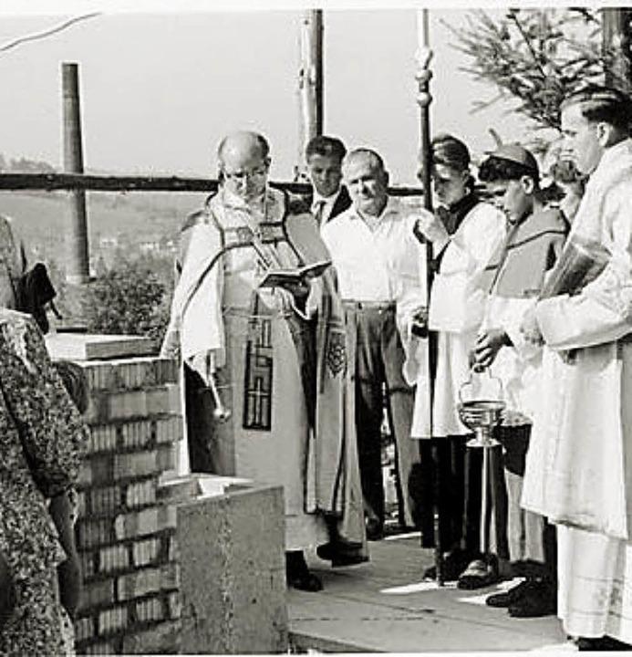 Am  20. September 1959 erfolgt die Grundsteinlegung zur Erweiterung    Foto: Stadtarchiv