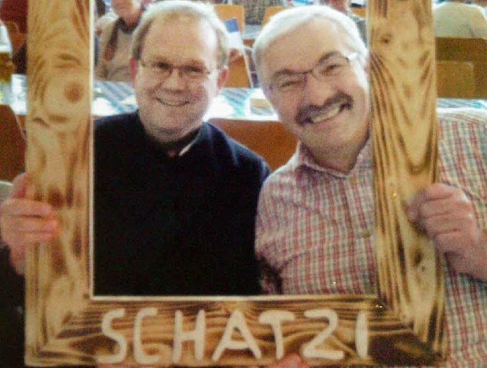 Ein Foto für Schatzi: Die Trachtenkape...dels mit Bayerinnen mithalten können.   | Foto: Karin Steinebrunner
