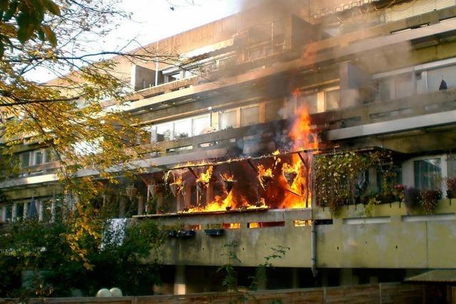 Wohnungsbrand in Freiburg – zwei Kinder unter den vier Verletzten