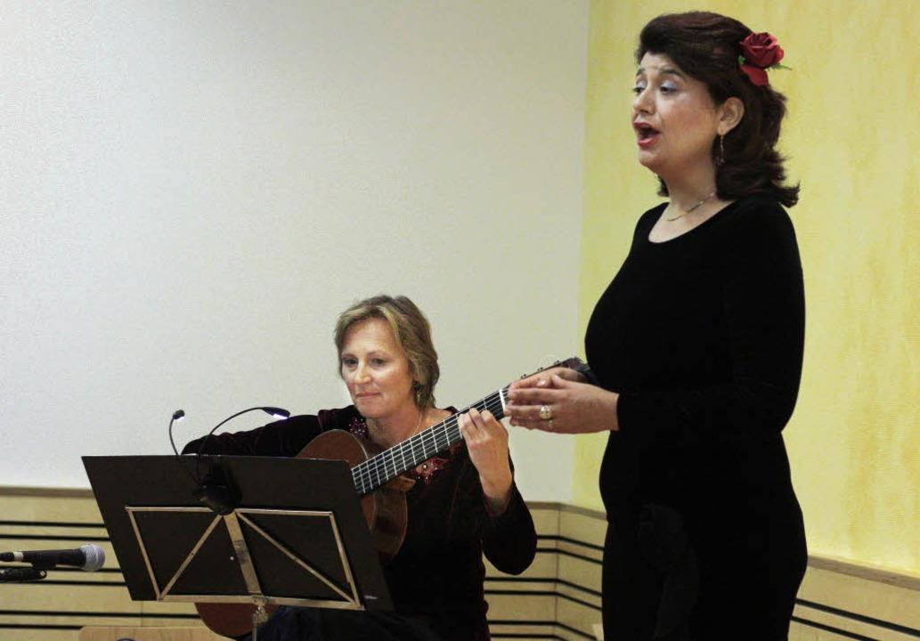 Auftritt in Wettelbrunn: Elisabeth Wieninger (links) und Wilma Rueda