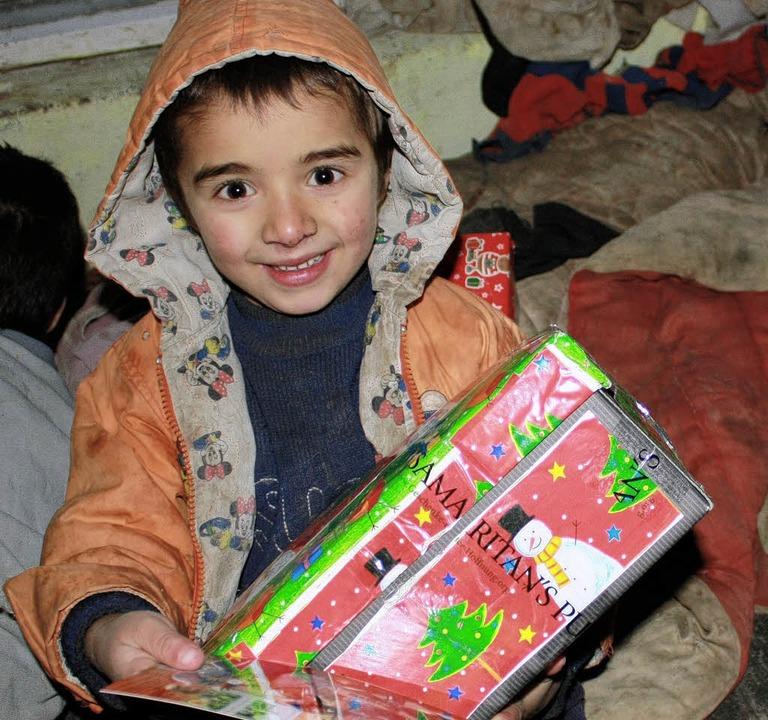 Weihnachten Im Schuhkarton Bilder.Weihnachten Im Schuhkarton Startet Zell Im Wiesental Badische