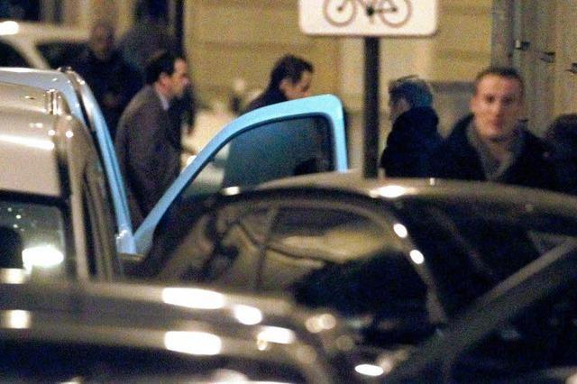 Medien: Carla bringt Kind zur Welt – Sarkozy zum vierten Mal Vater