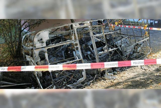 Wohnwagen brennt aus