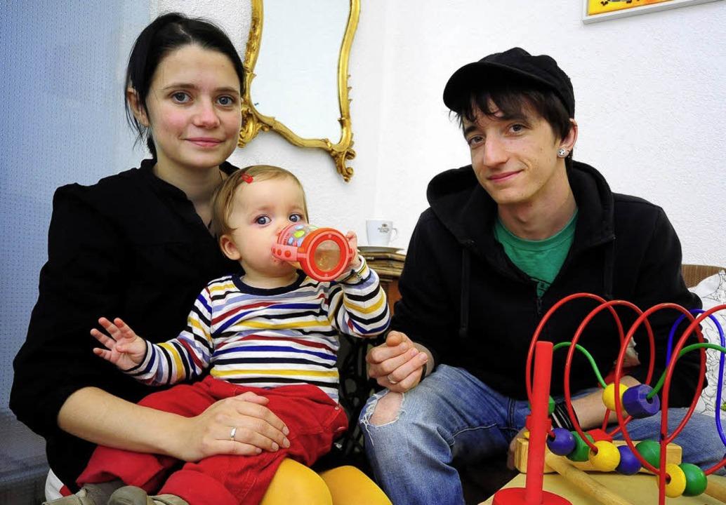Frieda (23), Selma (1) und Florian Kir...tag beginnt für die drei das Semester.  | Foto: Thomas Kunz