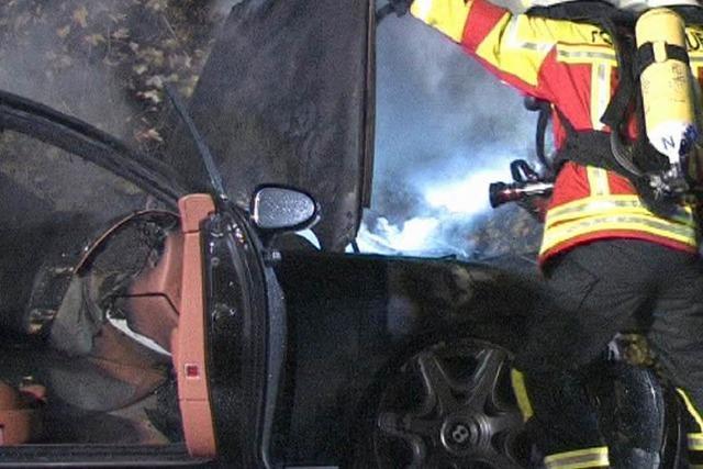 Gedächtnistrainer zu schnell unterwegs – Sportwagen brennt aus
