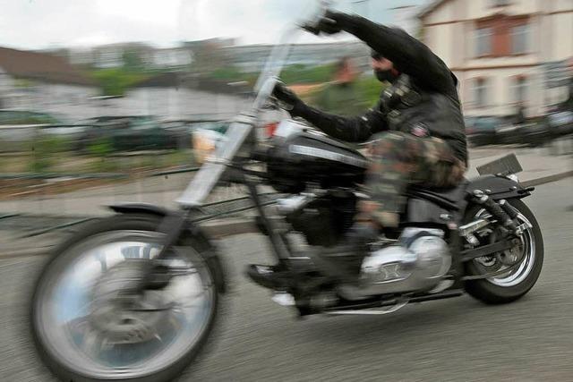 Polizei hebt Waffenarsenal von Rockern aus