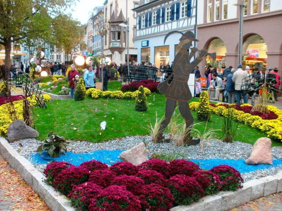 Der Schlossplatz in Lahr: hier können ...nd den Partnerstädten bestaunt werden.  | Foto: Karin Kaiser