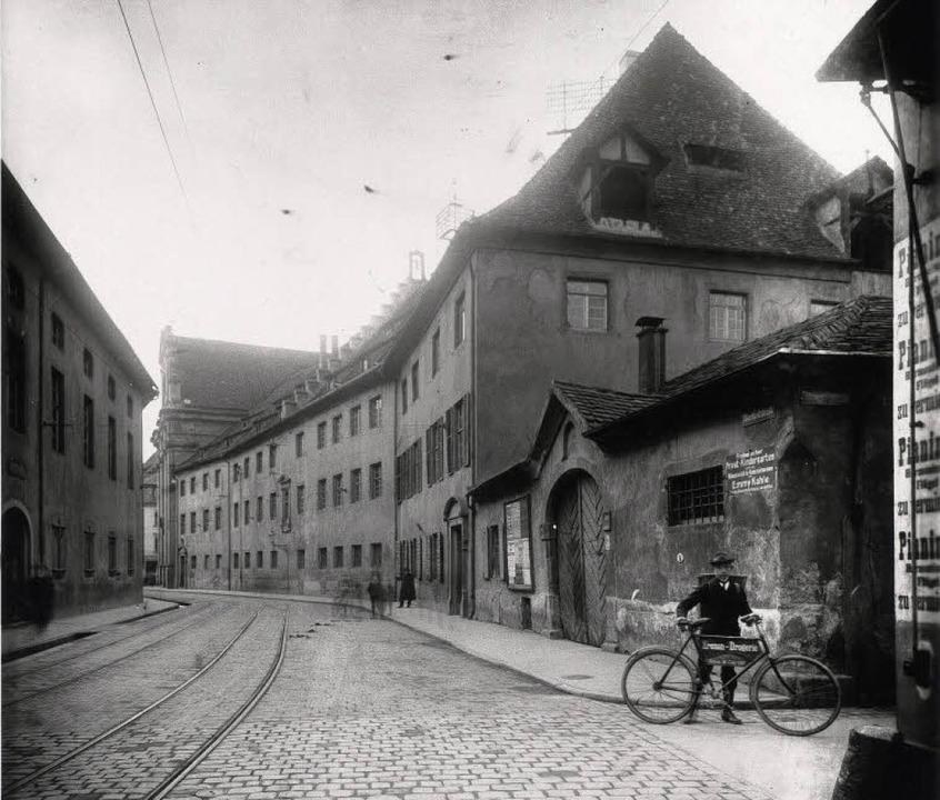 Das ehemalige Jesuitenkolleg (die heut...Georg Röbcke, die nach 1901 entstand.   | Foto: Augustinermuseum Freiburg
