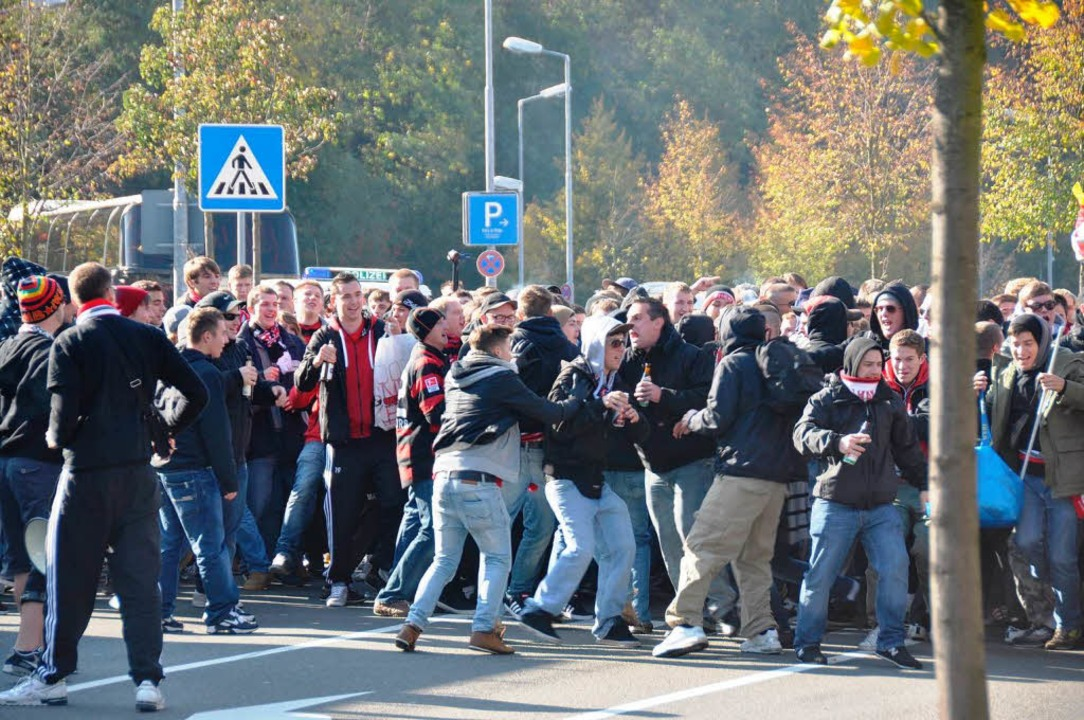 Freiburger Anhänger in Kaiserslautern  | Foto: Polizei