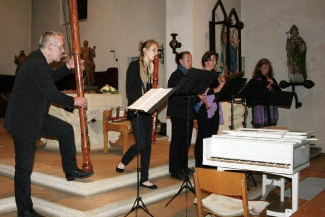 Orgel von der Empore geholt