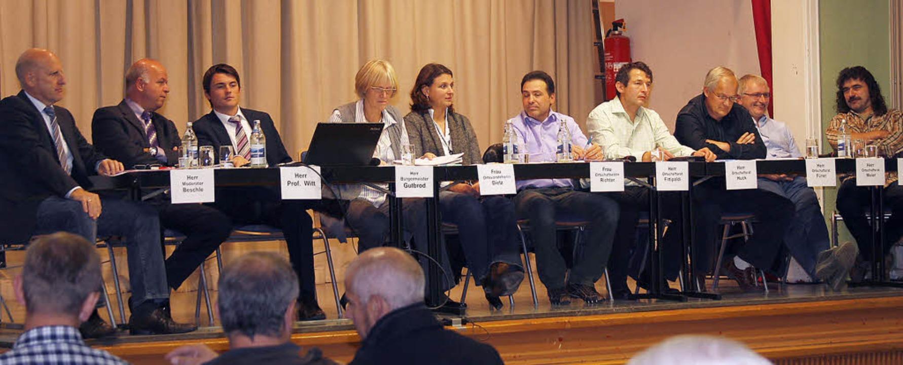 Auf dem Podium von links Wolfram Besch..., Norbert Meier und Volker Ackermann.   | Foto: heidi fössel