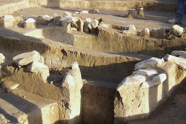 Jahrtausende alte Grabkammer ausgegraben