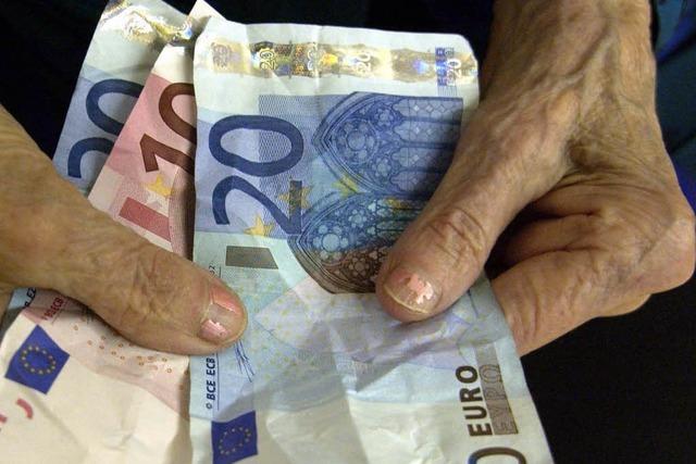 Rentner bekommen mehr Geld – Beiträge sinken