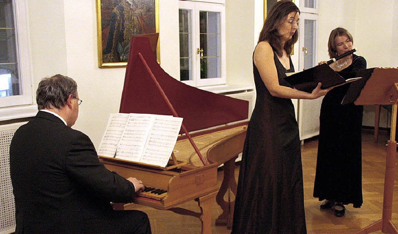 Das Trio Cantoflauto mit  Mezzosopran ...rsflöte, und Thilo Strauß am Cembalo.   | Foto: Hans-Jürgen Kugler