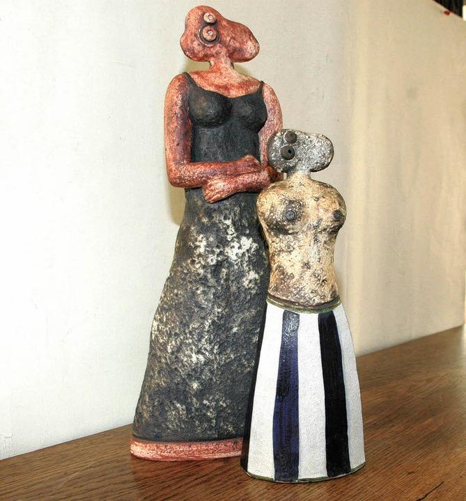 Zwei markante Frauenfiguren von Horst Kerstan   | Foto: Ounas-Kräusel