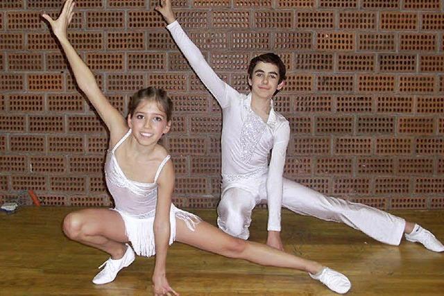 Junges Tanzpaar vorne beim Deutschland-Preis