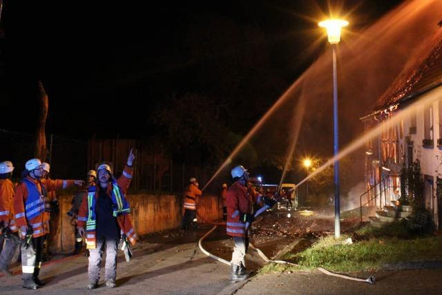 Brand zerstört Haus in Unadingen
