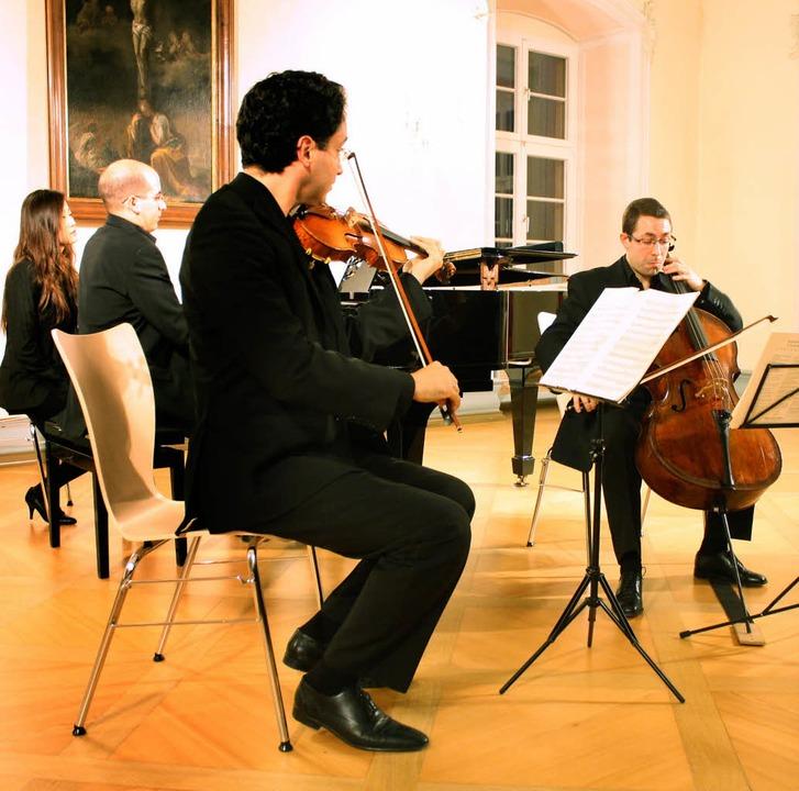 Alfonso Gómez (Klavier), Phillip Roy (...rios der klassisch-romantischen Ära.    | Foto: Hans Jürgen Kugler
