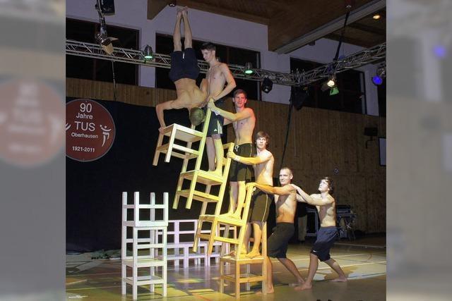 TuS Oberhausen: Bunte Show mit vielen Attraktionen