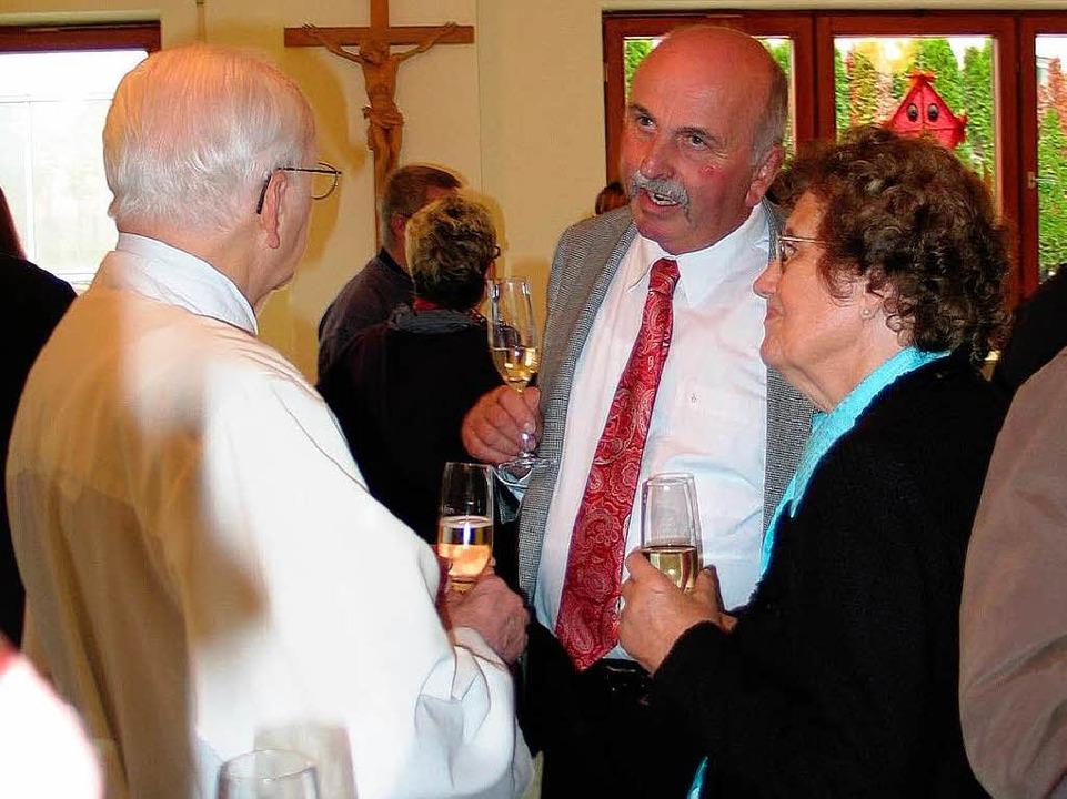 Bürgermeister-Vertreter Albert Schmidt...er, ihr Mann  plante den Kirchenumbau.