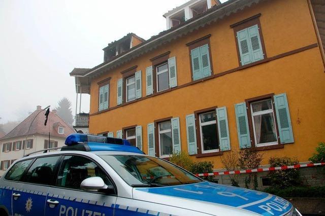 Zwei Brände in einer Nacht: Feuer zerstört Dach-Wohnung