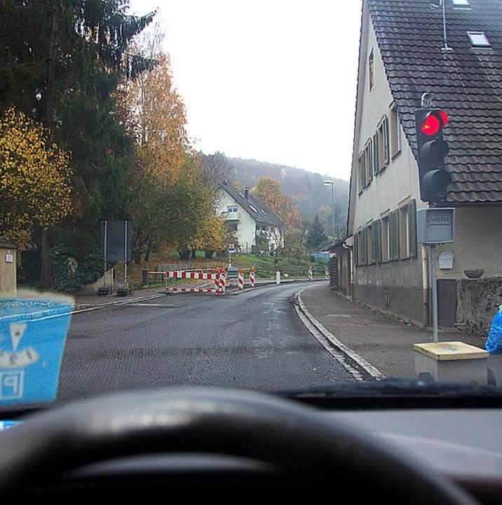 Geduld mit bringen müssen derzeit Verk...n der Baustelle der Landesstraße 134.   | Foto: Markus Maier