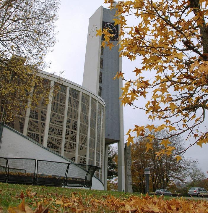 Kirche St. Peter: Hier wird Ralf Ochs ...akon der Seelsorgeeinheit eingeführt.     Foto: Nikolaus Trenz