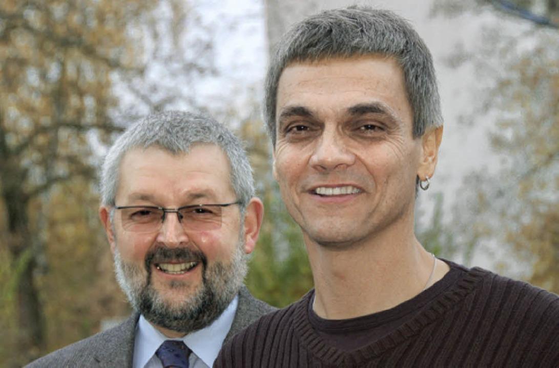 Pfarrer Michael Spath mit dem neuen  Diakon Ralf Ochs (rechts).    Foto: Nikolaus trenz