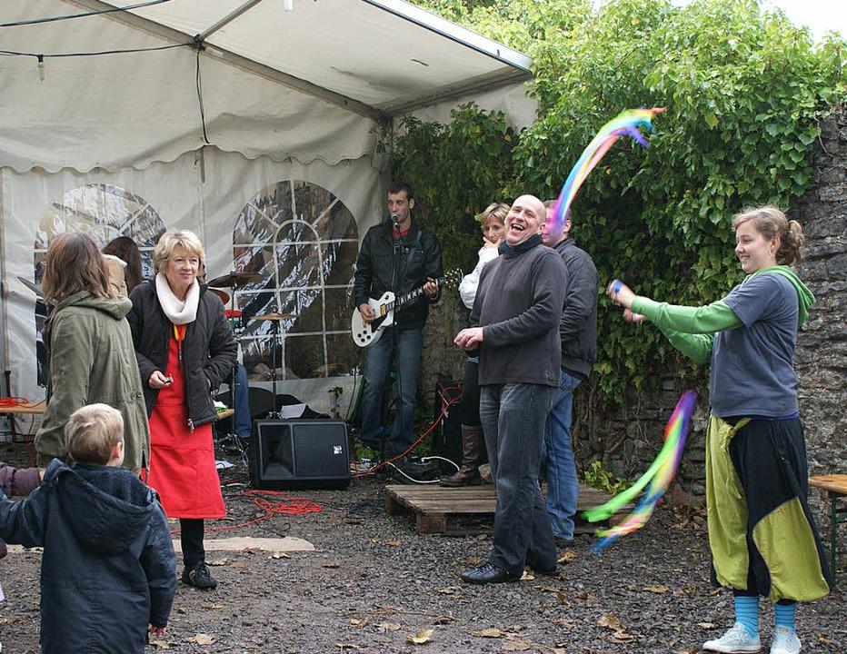 Die Gäste aus Mouscron sorgten für Unt...artnerstädte beim Cowbridge Festival.   | Foto: privat