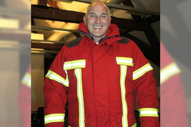 60 Einsatzjacken für die Feuerwehr