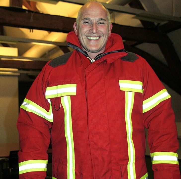 René Sahner von der Maulburger Feuerwe... die die Maulburger Feuerwehr erhält.   | Foto: Jung-Knoblich