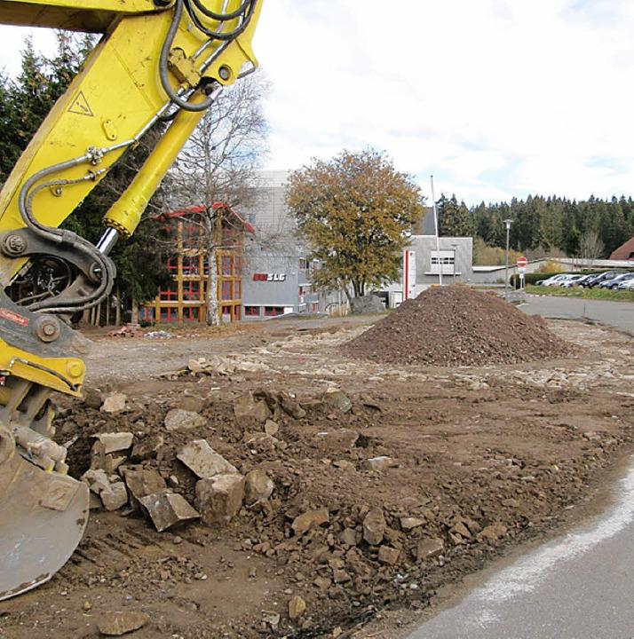 Bei der SLG in Bernau ist derzeit der Bagger am Werk.     Foto: Filz