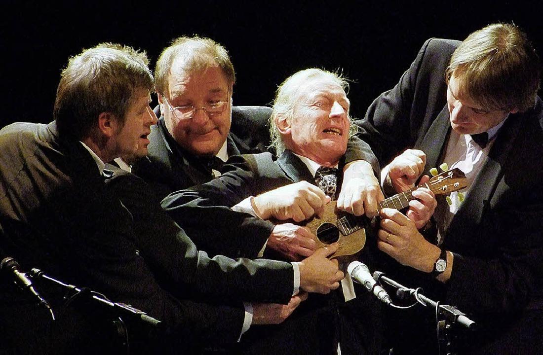 Britisches Understatement auf kleinen Gitarren     Foto: Martina David-Wenk