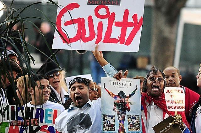 Fans feiern Schuldspruch