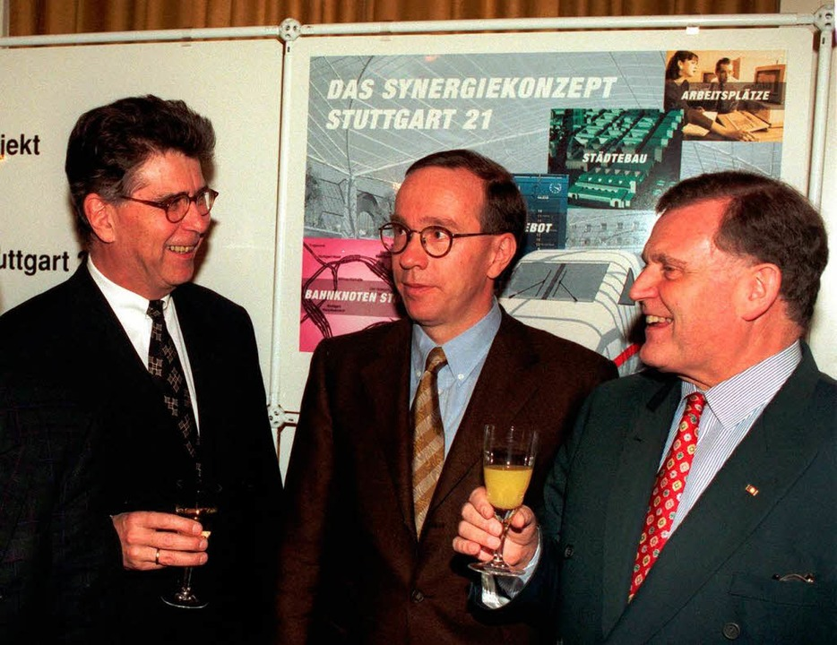 Im November 1995 stießen Bahnchef Hein...ident Erwin Teufel auf das Projekt an.  | Foto: Verwendung weltweit, usage worldwide
