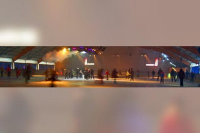 Kaltes Tanzvergnügen auf dem Eis
