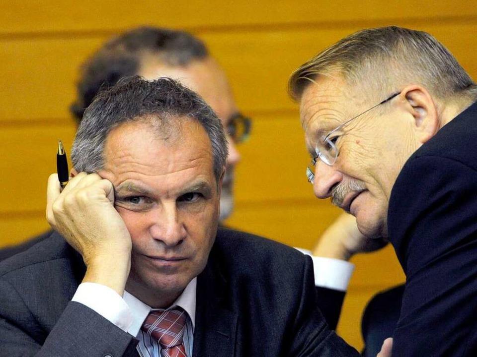 Unzufrieden: SPD-Innenminister Reinhol...ier mit Parteifreund Wolfgang Drexler     Foto: dpa