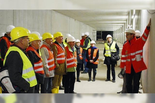 Zollfreie-Tunnel im Zeitplan