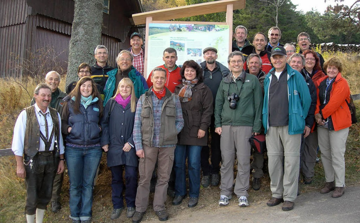 Einweihung der Infotafel bei der Schwe...innen und Naturführern Rohrhardsberg.   | Foto: Matt-Willmatt
