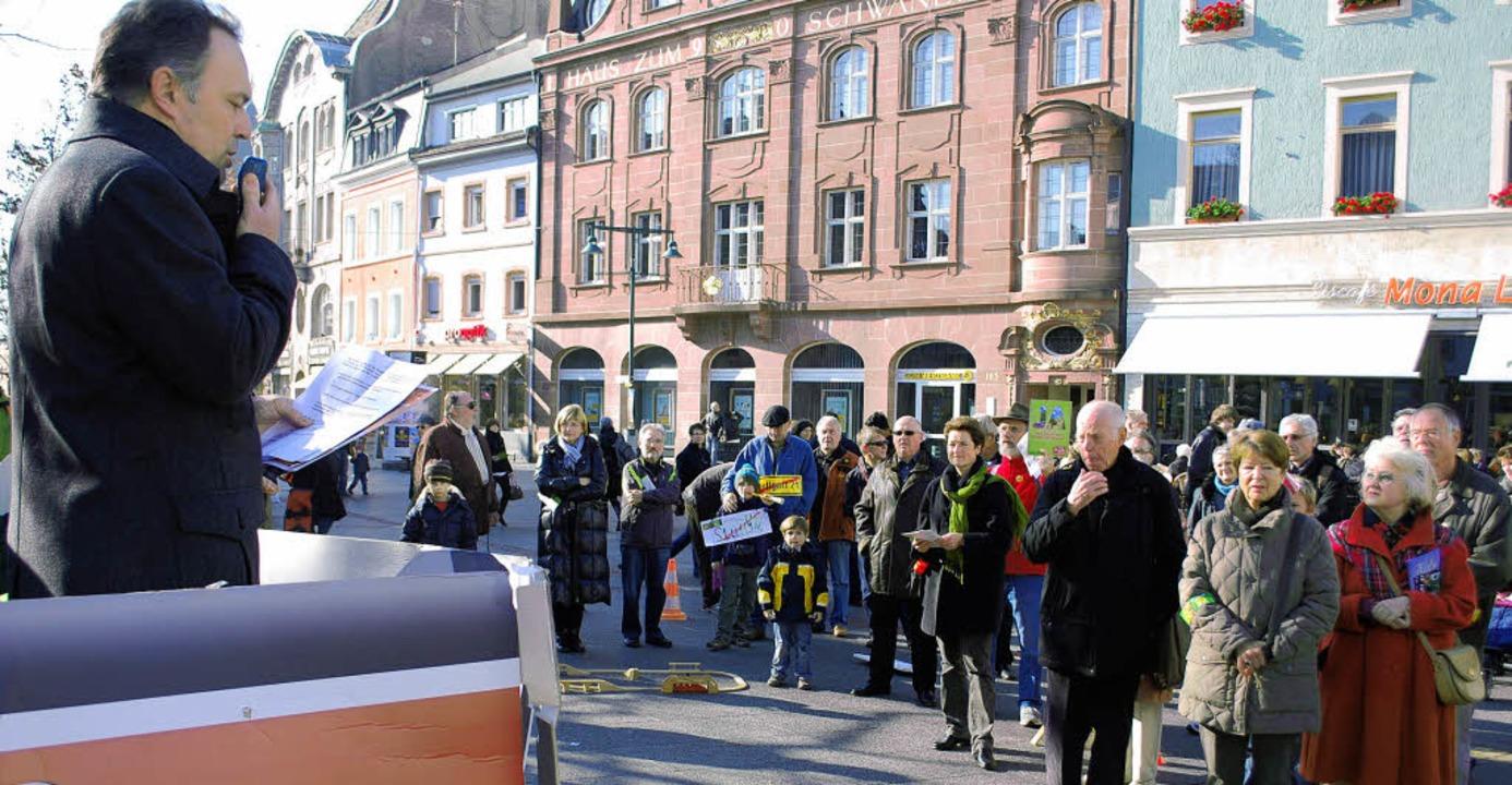 Der Landtagsabgeordnete Josha Frey (Gr...ei der  Kundgebung gegen Stuttgart 21   | Foto: Thomas Loisl Mink