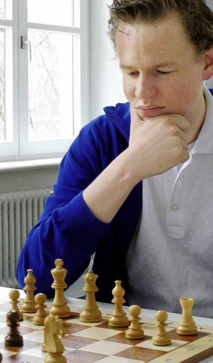 Großmeister Jan Gustafsson spielt für ...#8211; und wurde jetzt Europameister.   | Foto: dpa
