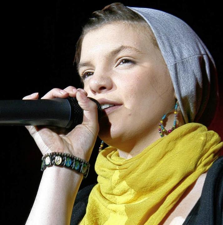 Joana Ketterer sang sich in die Herzen ihrer Zuhörer.  | Foto: Eva Korinth, akh
