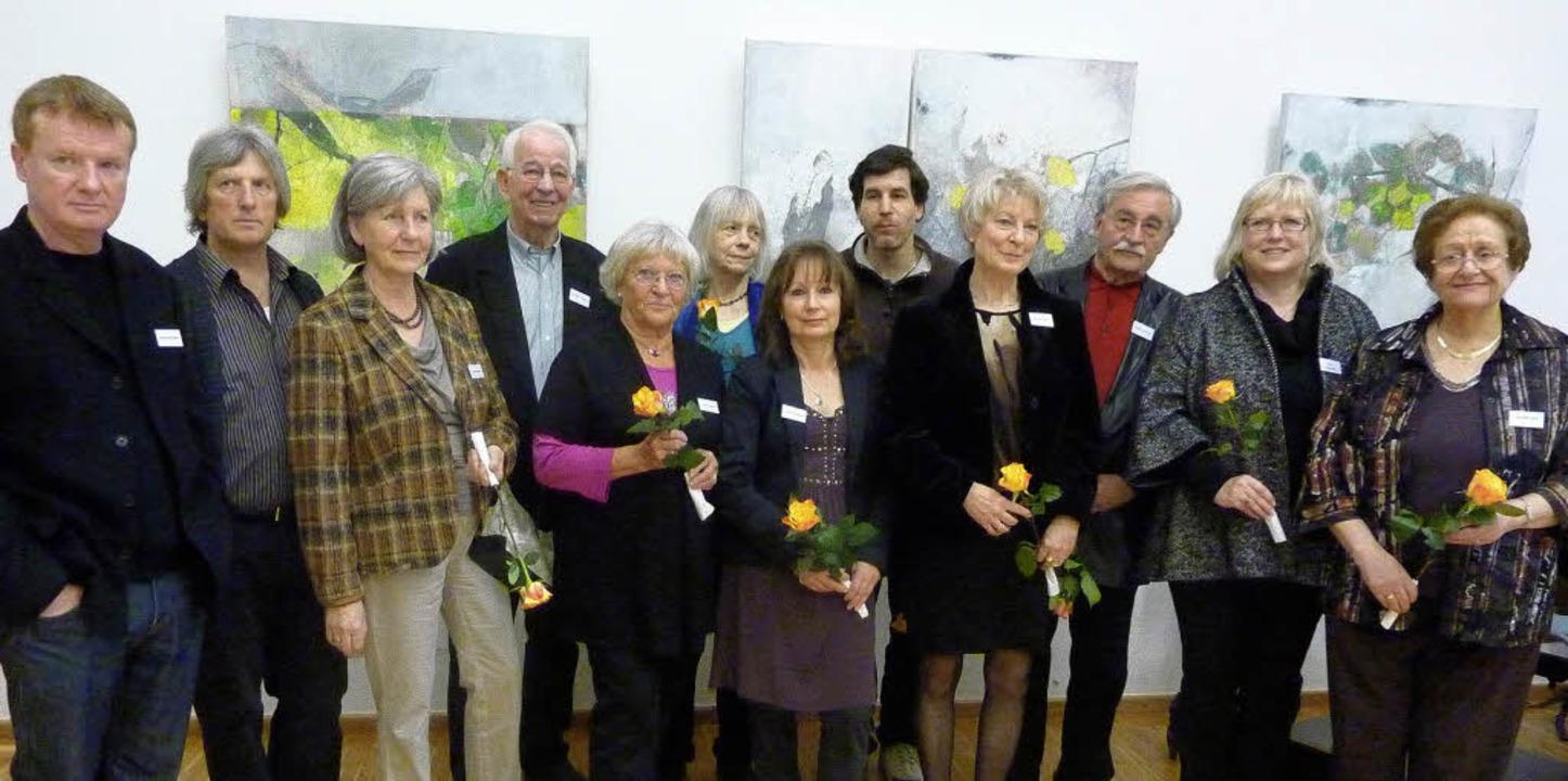 13 Künstlerinnen und Künstler sind bei... Kunstvereins im Gebertsaal vertreten.  | Foto: Karla Scherer