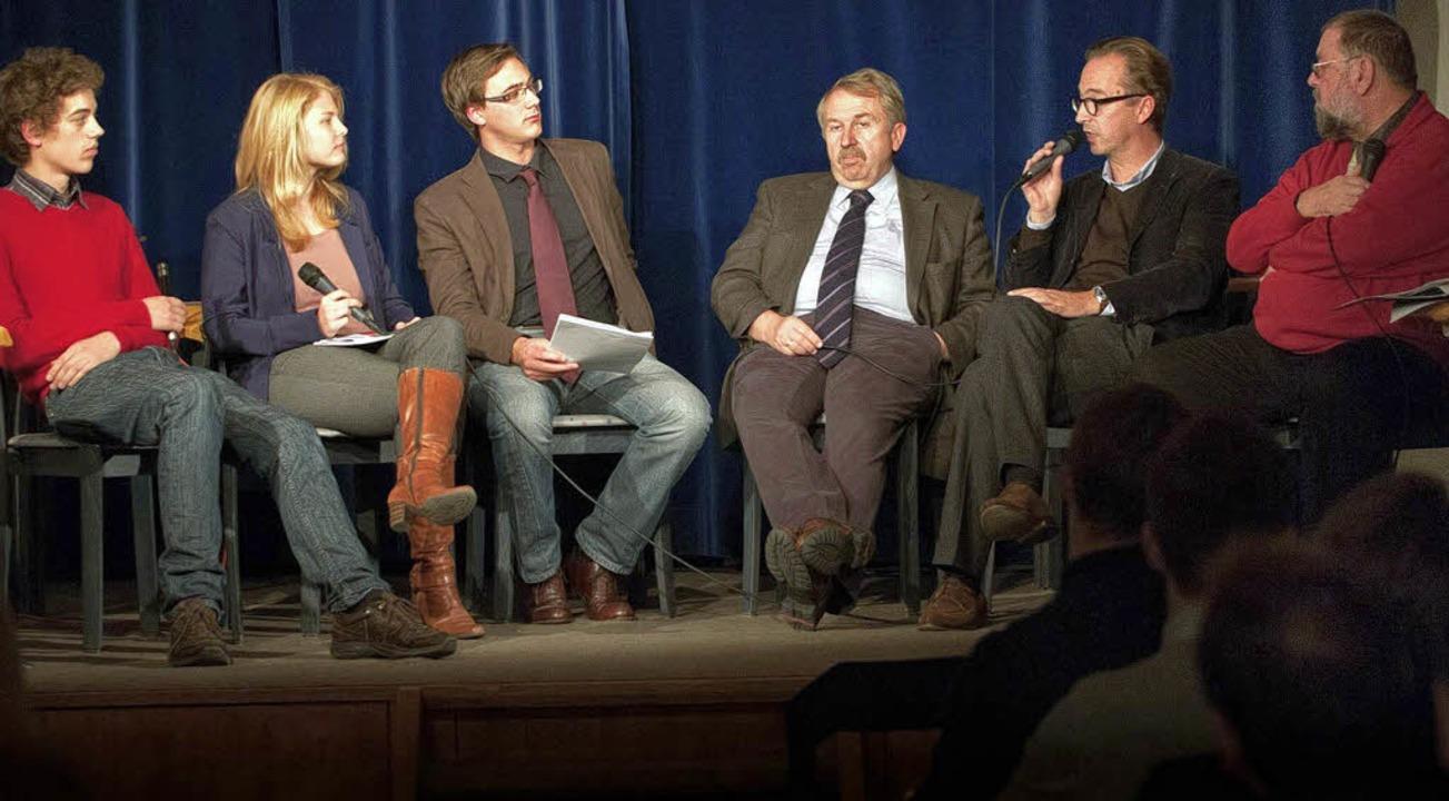 Das Podium (von links): Gabriel Gareis...hauer und  Hans-Georg von Wolff (FDP).    Foto: Merkle
